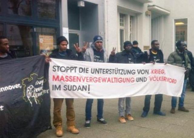 محتجون يقتحمون سفارة السودان فى المانيا