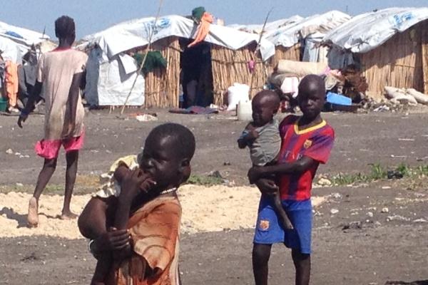 بريطانيا تدعم السودان لمواجهة تدفقات اللجوء والهجرة