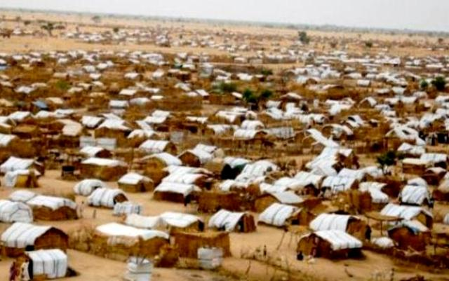تفاقم معاناة النازحين بمخيم (عطاش) مع دخول الشتاء
