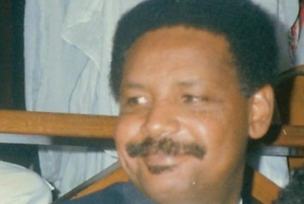 هذا مصطفى عثمان الذي رفض الجواز البريطاني !!
