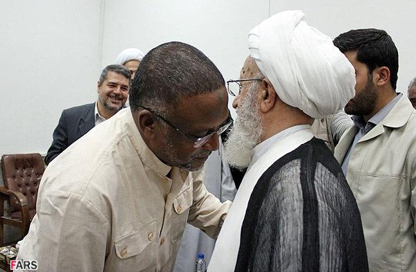 سخرية شعبية وغضب رسمي في الخرطوم لقطع العلاقة مع طهران