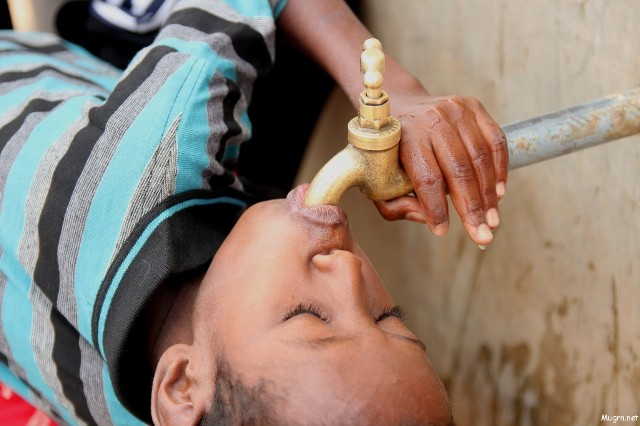 """مياه الخرطوم: حديث وزير البيئة عن تلوث المياه يفتقد""""الدقة والمسؤولية"""""""