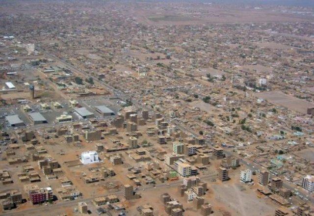 مباني الحكومة تتمدد فى الأحياء الشعبية .. والأهالي يغادرون