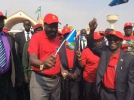 ترحيب رسمي وشعبي بفتح الحدود بين السودانيْن