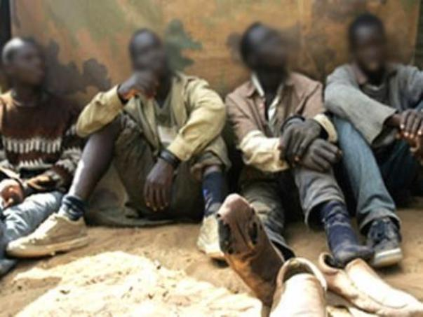 التهريب والإتجار  في البشر: السياق والمشاركة الحكومية في الجريمة