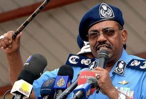 البشير يطيح بهيئة أركان جيشه مع اشتداد المعارك في دارفور