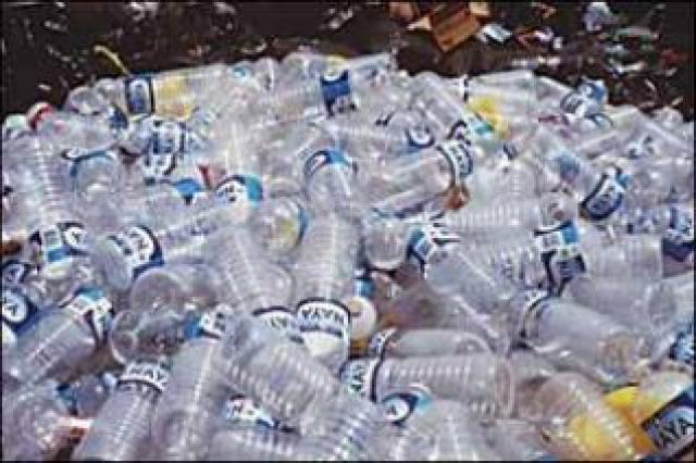 شكاوى من إلقاء نفايات بلاستيكية قرب مساكن ببورتسودان