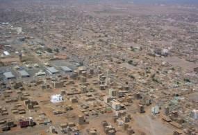 """حملات شبابية لتقليل """"مساحة القبح"""" بالخرطوم"""