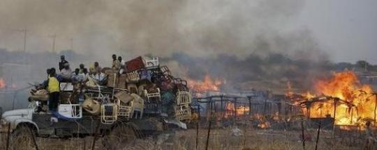 """البشير : الحرب والانتهاكات والفظائع ضد اهالى دارفور سببها """"الشيطان"""""""