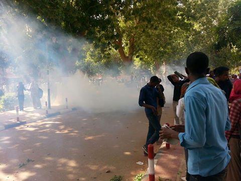 اصابات واعتقالات واسعة وسط الطلاب ..وقوى المعارضة توجه طلابها بالانضمام لانتفاضة الطلاب