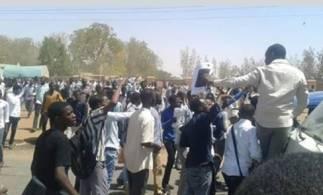 جهاز الأمن يأمر ويحذر الصحف من نشر أخبار المظاهرات