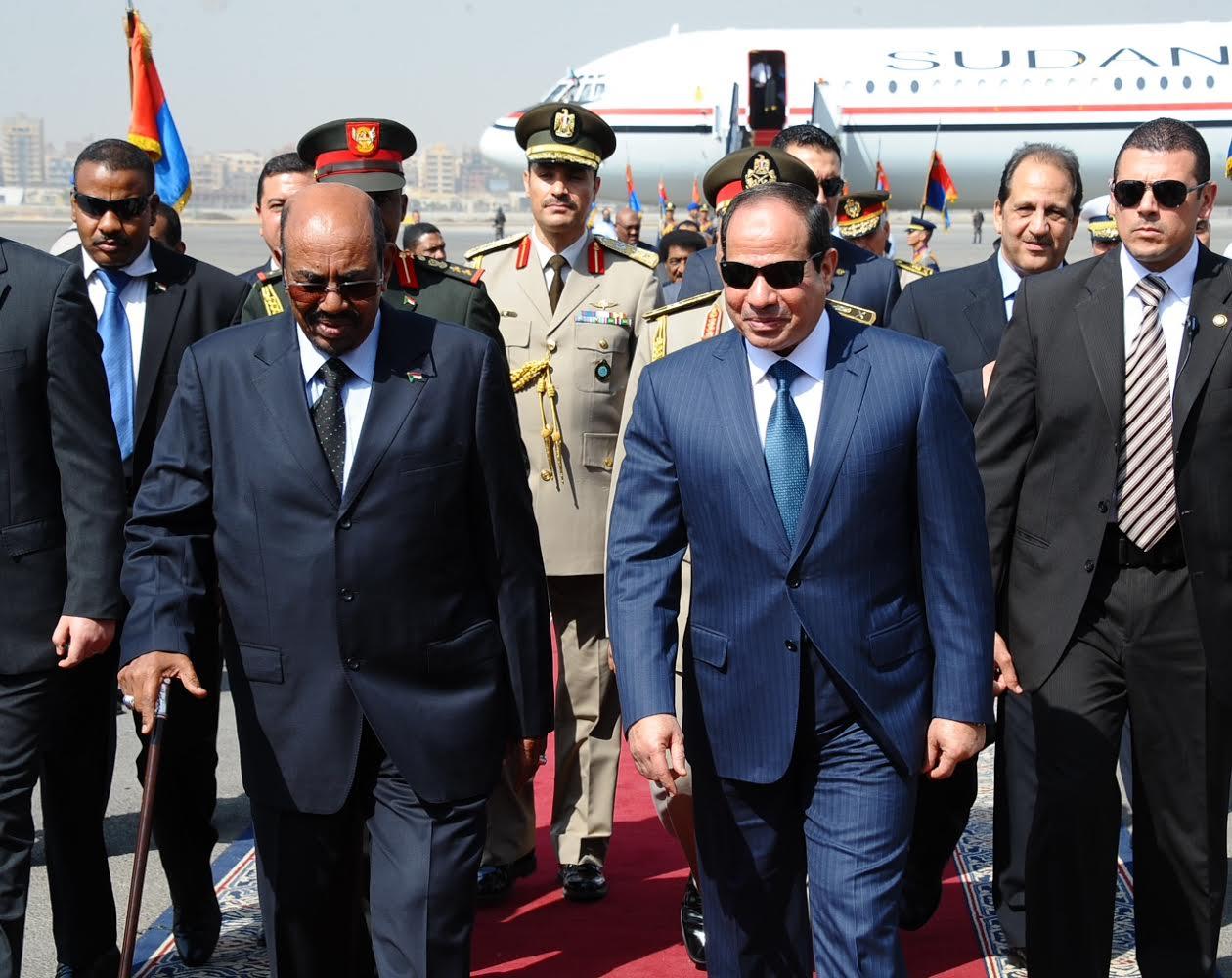 """مصر تنفي """"دعمها"""" استمرار العقوبات الدولية على السودان"""