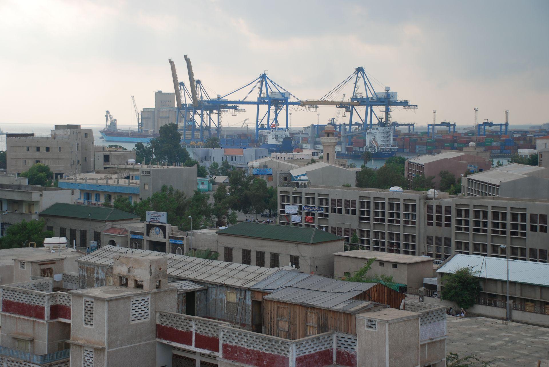 بورتسودان : يخوت عالقة وملايين الدولارت فوق مياه البحر الأحمر