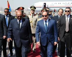 البشير يرسل وزير دفاعه الى السيسي ومخاوف من دعم حفتر لهلال