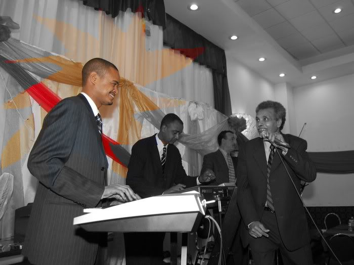 كندا تكرم ابو عركي البخيت بوشاح تقلده مانديلا