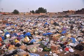 أضرارمن حرق النفايات بأحياء بورتسودان