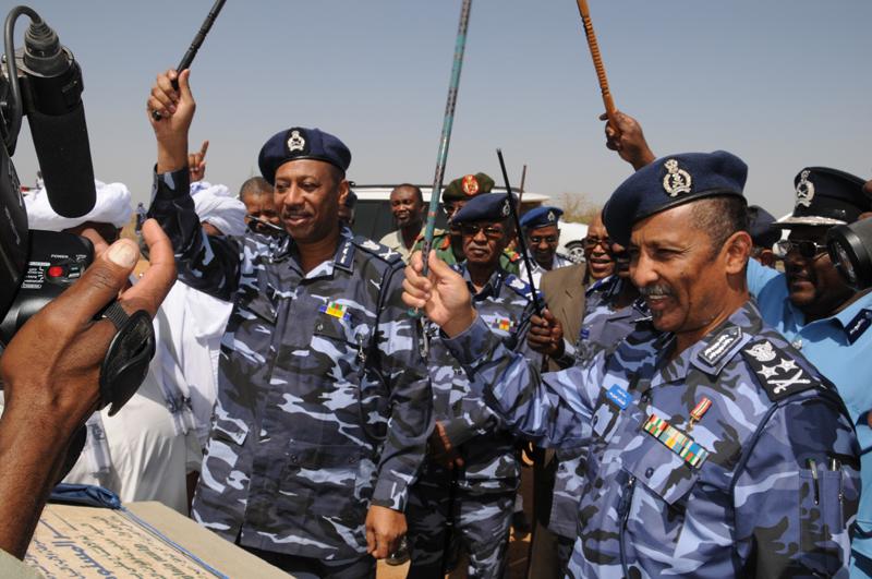 """نقيب شرطة """"مزيف"""" يهاجم منزل عميد شرطى وينهب محتوياته"""