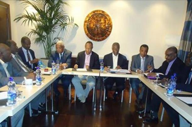 مساعد البشير: أمبيكي يدفع بمقترحات لوقف العدائيات
