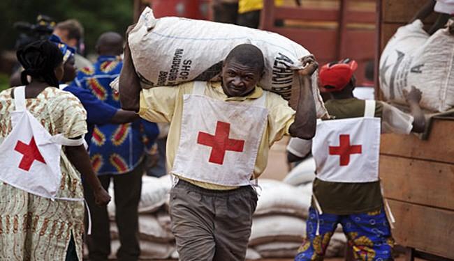 """أزمة الجنيه """"المنهار"""" تتسبب فى إضراب عمال الصليب الأحمر"""