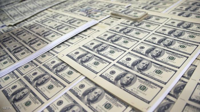 الدولار ينتفض ويغرق الجنيه في تدهور قياسي