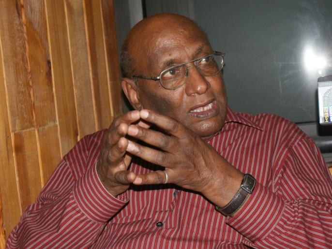 عبد الله علي ابراهيم .. ستون عاما من الكتابة