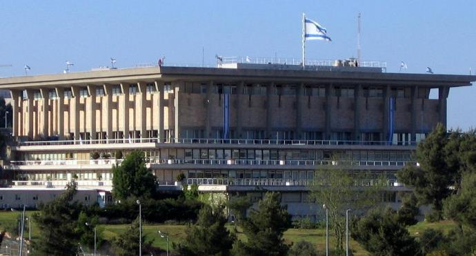 محلل إسرائيلي: أقمنا علاقات مشبوهة مع نظام البشير