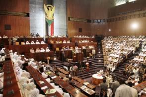 """تعديلات دستورية أمام """"المجلس الوطني"""" لمنح البشير صلاحيات جديدة"""