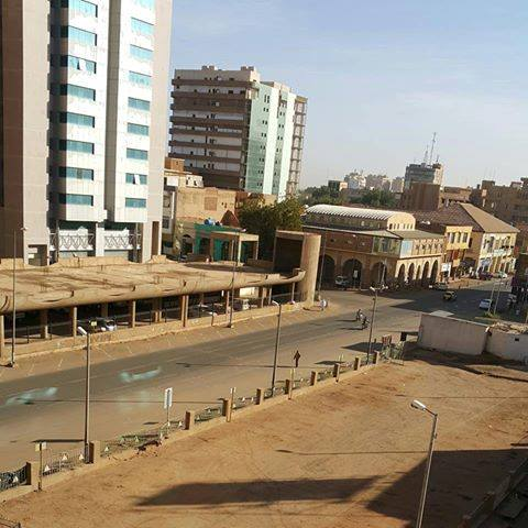 شوارع الخرطوم خالية وسط إضراب عام