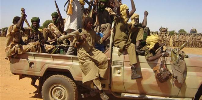 (12) من أسري الجيش يصلون الخرطوم في صمت