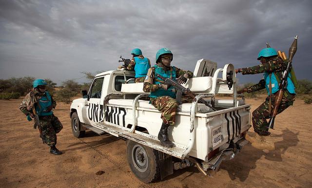 الامن يعلن إحباط تهريب شحنة أسلحة لليوناميد فى شمال دارفور