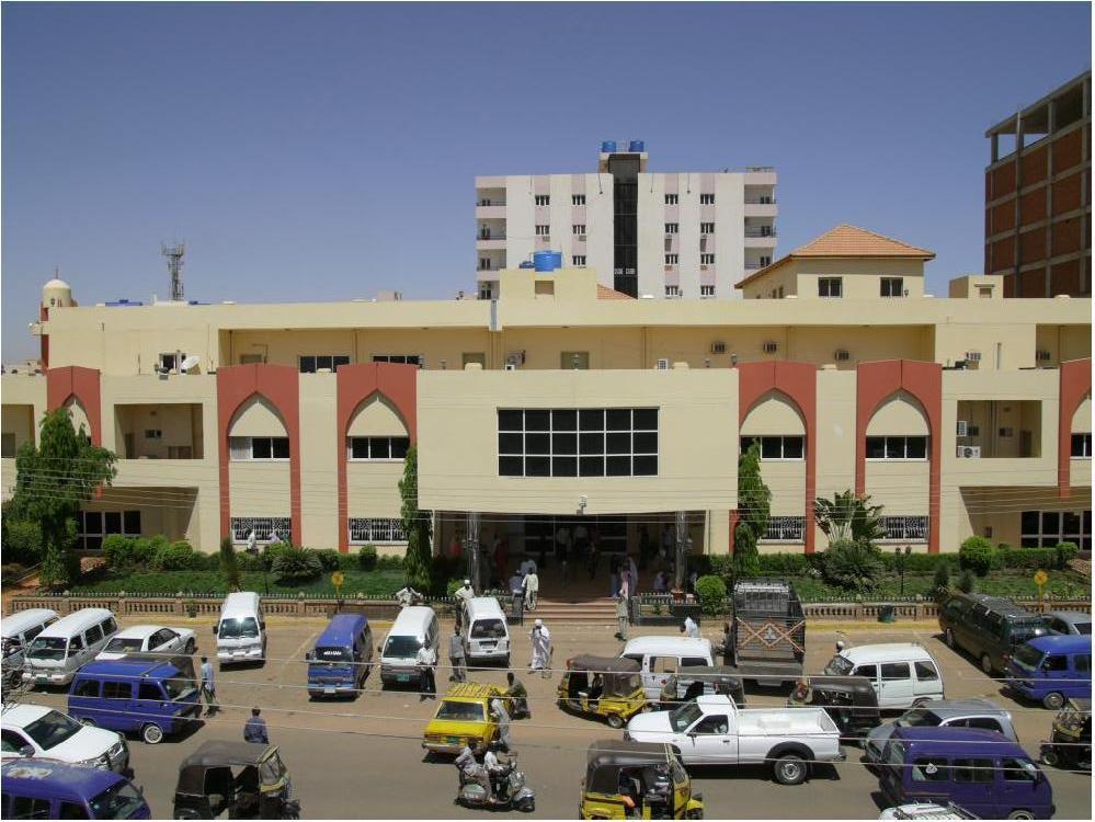 """مستشفى مكة ..عمى جماعي يثير تساؤلات حول """"الطب الخيري"""""""