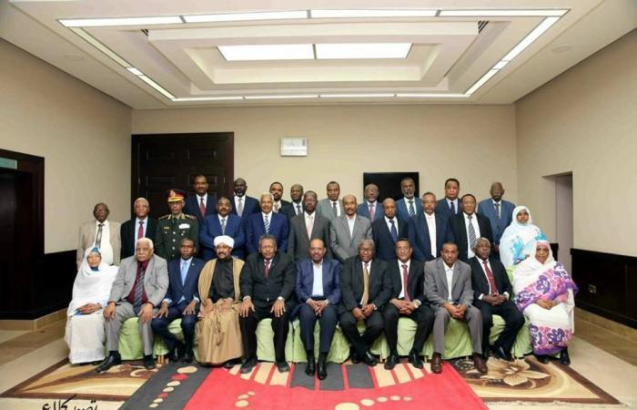 الوطني يستحوذ علي النصيب الاكبر من الوزارات في التشكيل الجديد