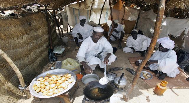 الحد الأدنى للأجور لا يكفي احتياجات ٧٪ للأسرة السودانية