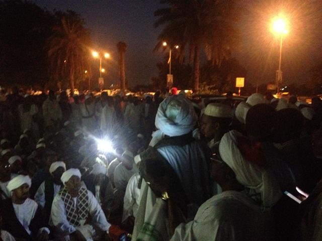 """الصوفية يهددون بالتصعيد ضد السلطة بعد إلغاء ندوتهم ويتهمونها بالانحياز """"للسلفية"""" و """"الاخوان"""""""