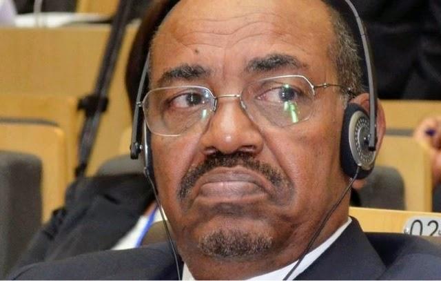 التواصل الأجتماعي تعليقا علي الازمة الخليجية: السودان كمن تطلق أبواه