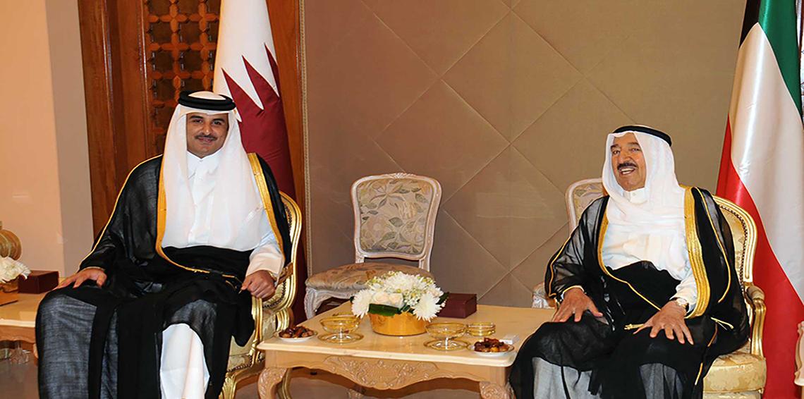 تحركات (كويتية-عمانية) لاحتواء الازمة وأمير قطر يؤجل خطابا لمنح الوساطة فرصة