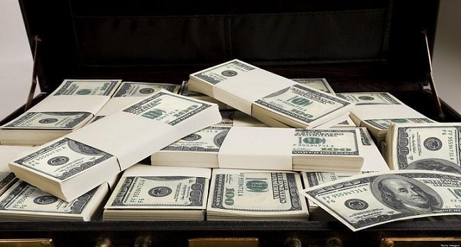 الجنيه السوداني  يتهاوى والحكومة تدخل سوق مضاربات العملات