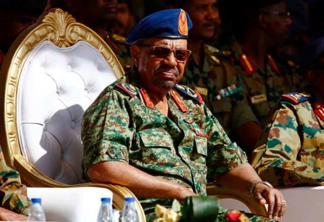 جنرالات الجيش والأمن في الخرطوم لمحاصرة الدولار ووعيد للمضاربين
