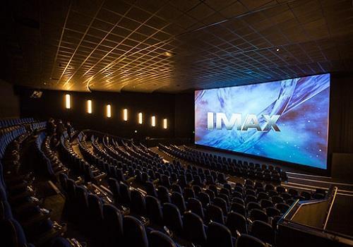 رفع الحظر في السعودية يحقق مليار دولار سنويا للسينما العالمية