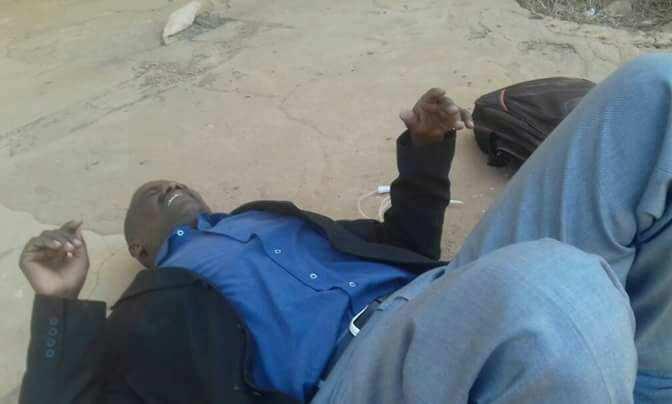 """صحفي يتعرض للضرب و""""الأمن"""" يحذر الصحف من تغطية الاحتجاجات"""