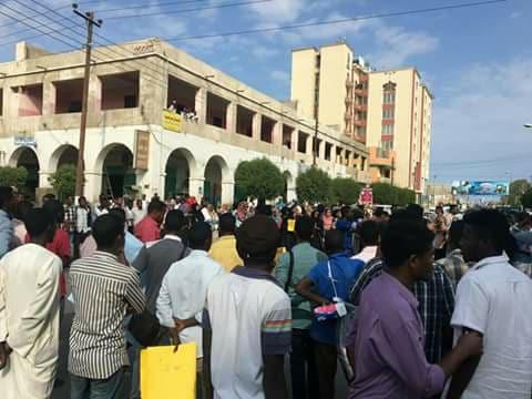 الامن يُطارد ويعتقل الناشطين ليلاً بأسواق بورتسوان