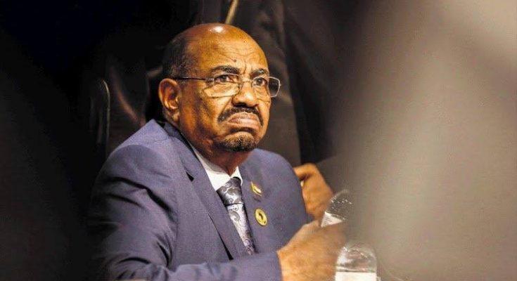 قيادي في الحزب الحاكم يعتبر إعادة ترشيح البشير يهد بأحداث شرخ في تيار الموالي للحكومة
