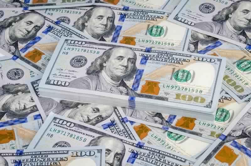 صعود جديد للدولار وحملات على تجار السوق الموازي -