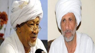 "Photo of Islamic leaders demand Albashir to dissolve the ""failing government"""