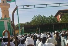 Photo of Friday Imams call for al-Bashir's resignation