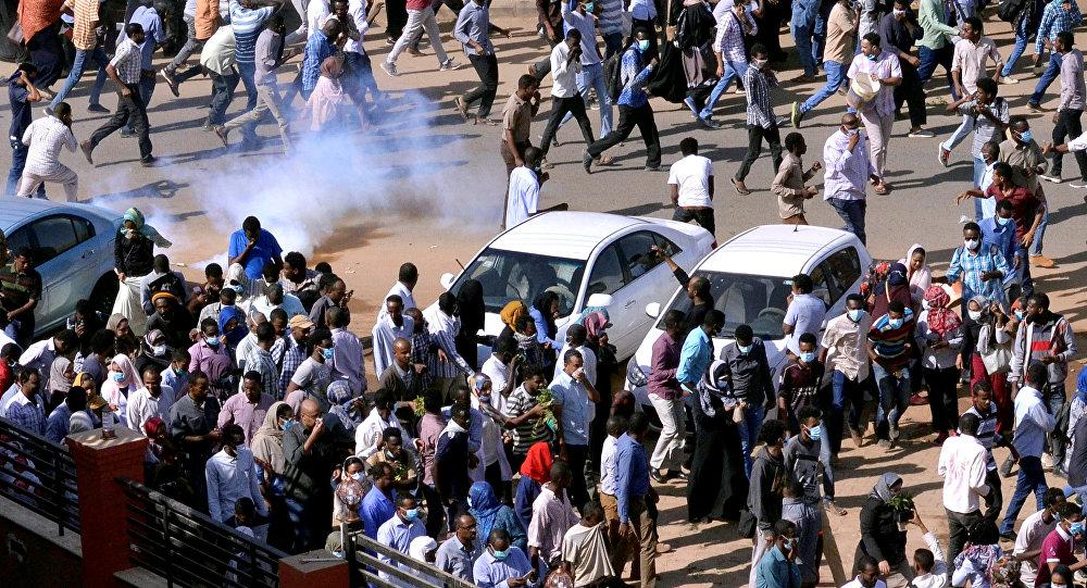 صورو من الارشيف من المظاهرات