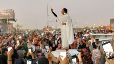 Photo of كيف انتقلت أيقونات الثورة السودانية الى لبنان؟