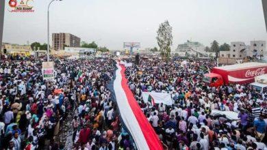 Photo of حمدوك يحبس أنفاس السودانيين وتضارب حول موعد اعلان الحكومة