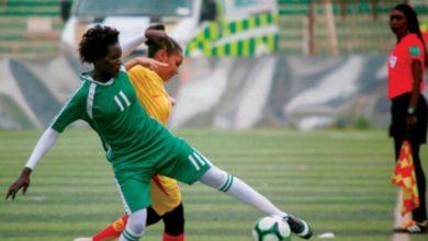 Photo of مشاهد مؤثرة من مباراة في كرة القدم النسائية السودانية