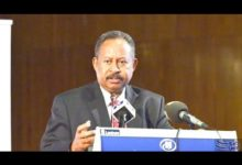 Photo of رئيس الوزراء السوداني يقيل مدير عام الشرطة ونائبه